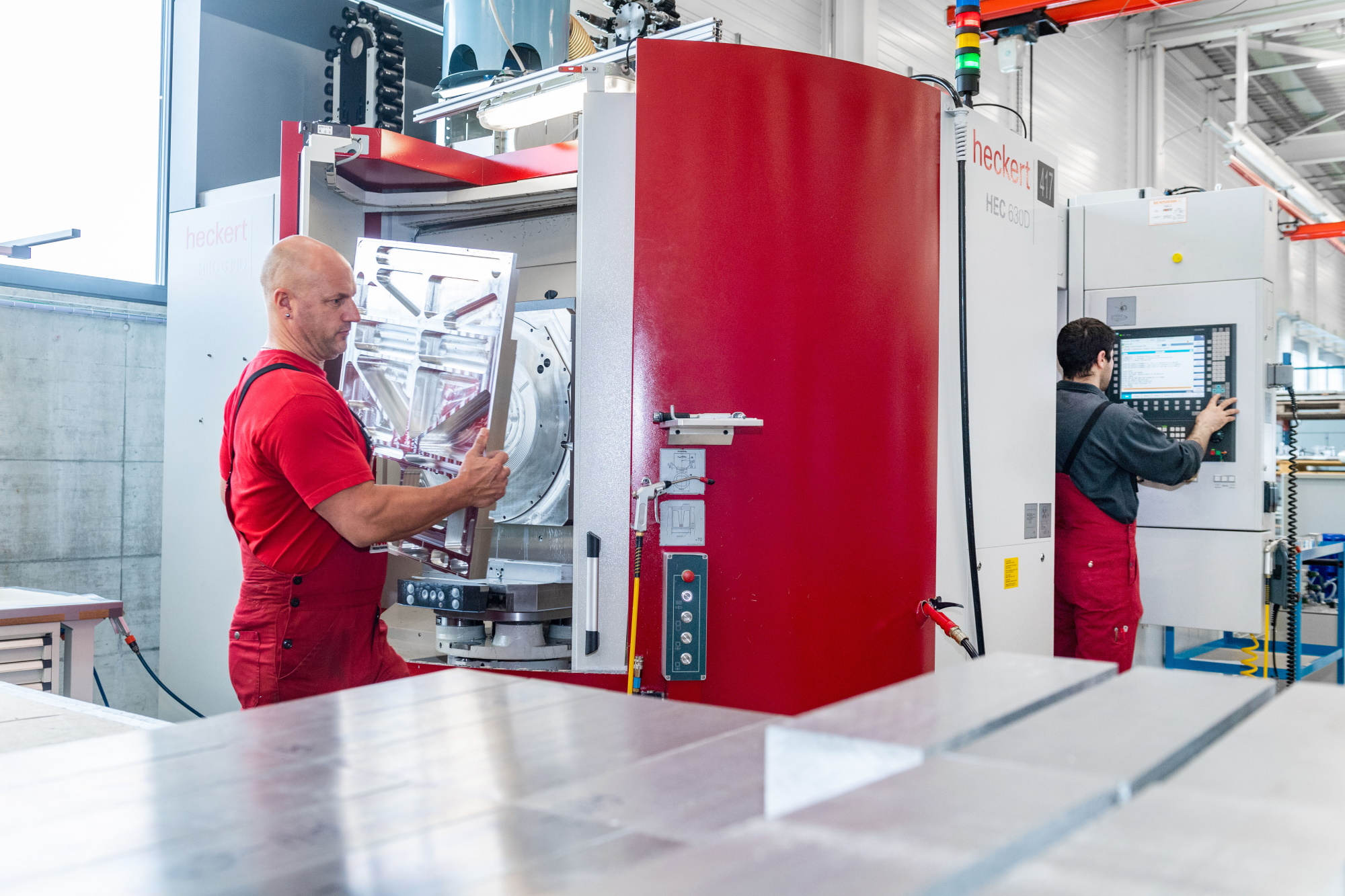 CNC-Fräsen - Högg AG Produktionstechnik