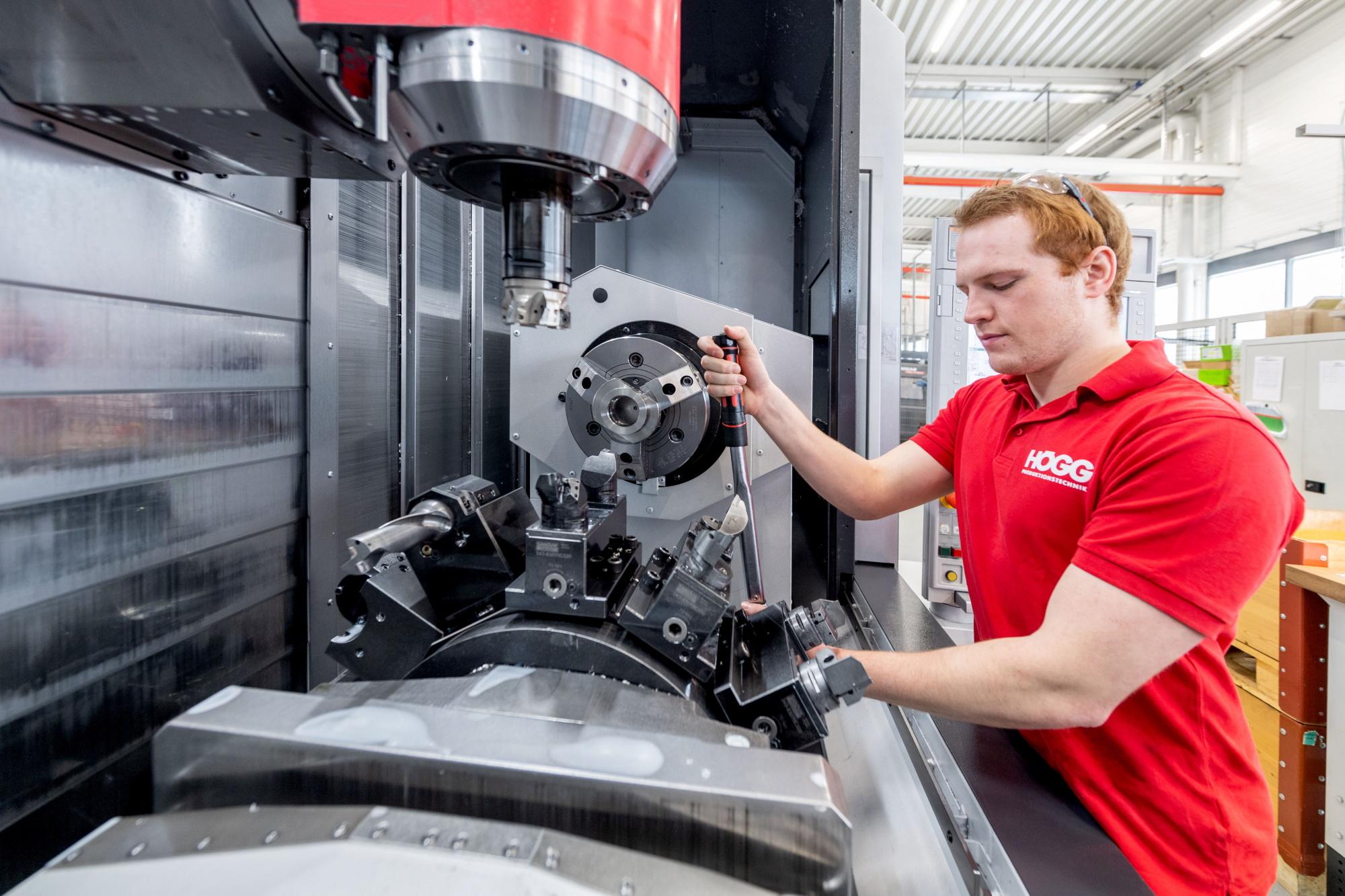 Dreh-Fräsbearbeitung - Högg AG Produktionstechnik