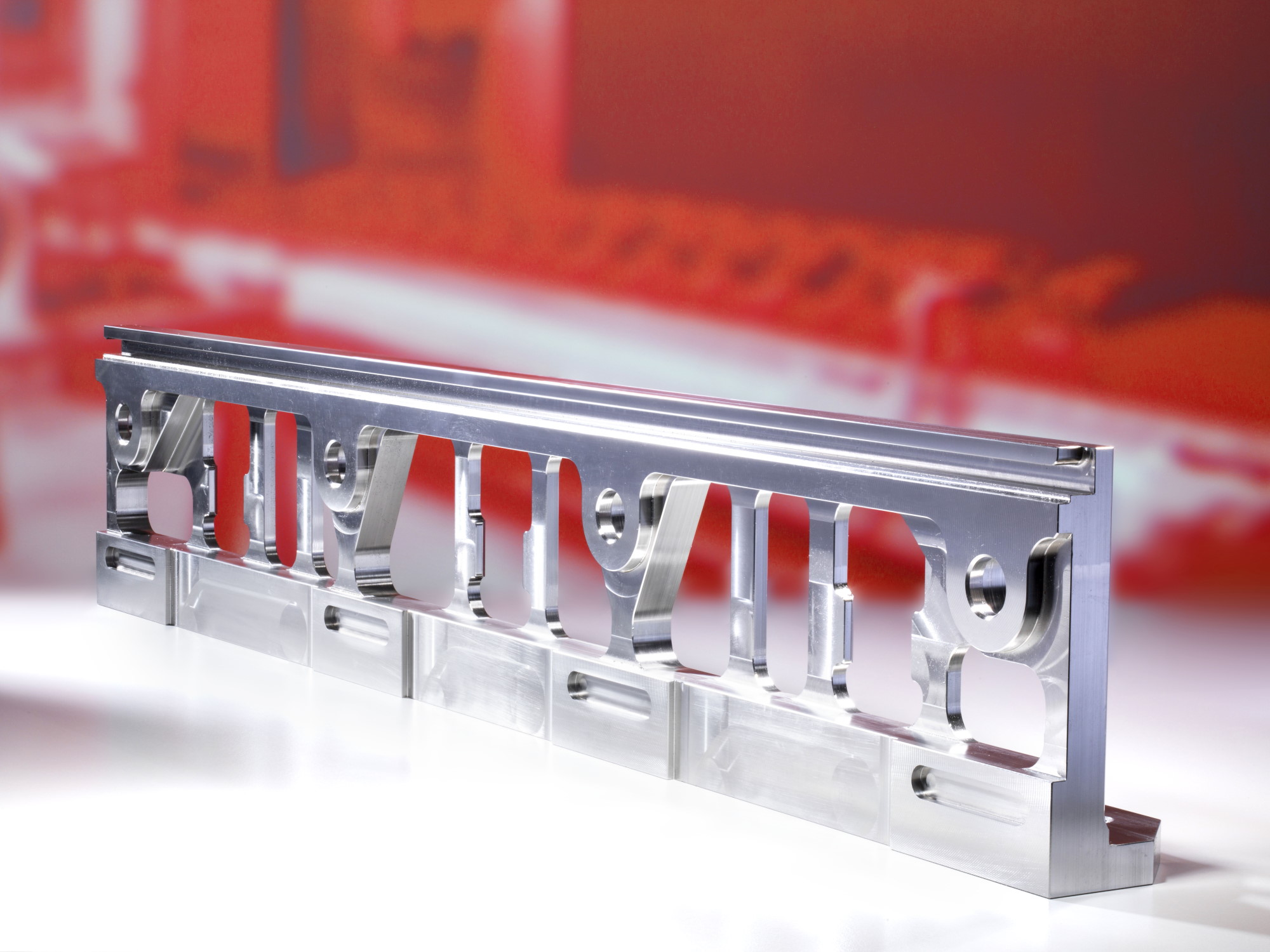 Edelstahlbearbeitung - Högg AG Produktionstechnik