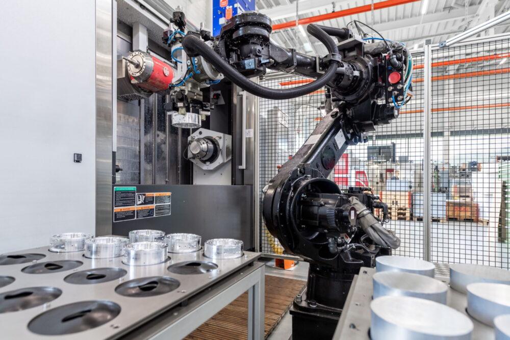 Automatisierte Fertigung - Högg AG Produktionstechnik
